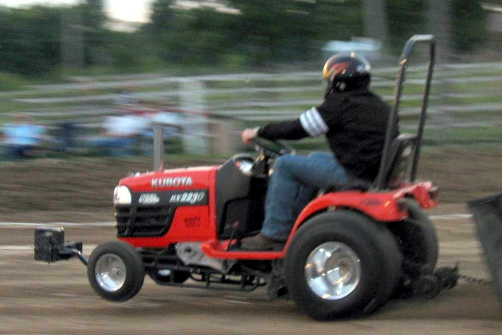 Tractor Pulling Motorcycle : Do you like cars